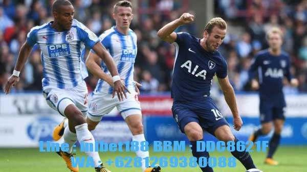 Prediksi Skor Huddersfield Town vs Tottenham Hotspur